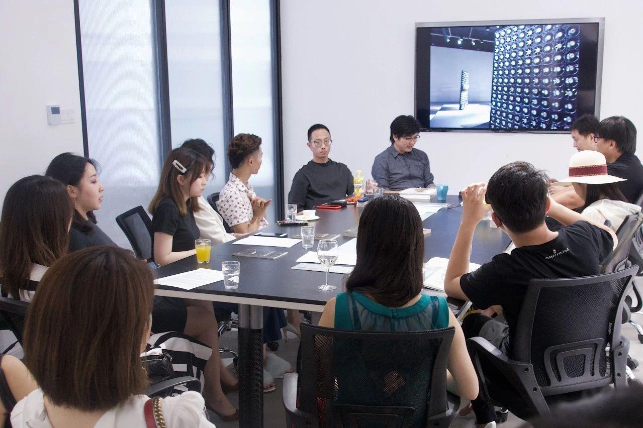 策展人李振华、策展人郑闻、艺术家郑达座谈会 @量子画廊