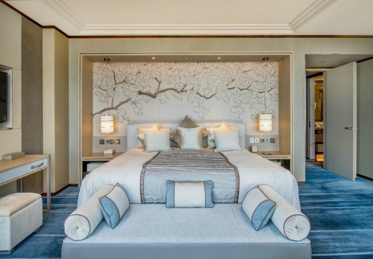 Shangri-La Hotel,at The Shard, London